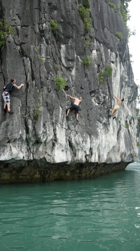 3 climbers on the rock